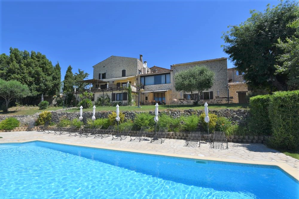 Stone house Fayence-14 rooms  1457