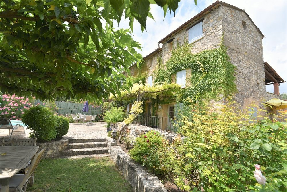 Stone house Canton-de-Fayence-6 rooms  2448