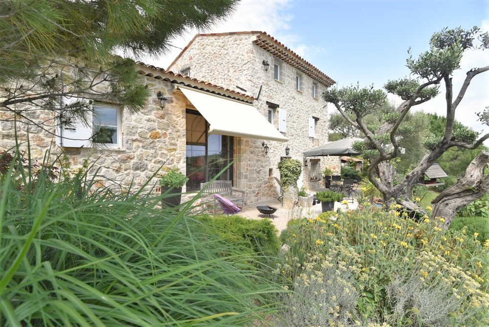 Stone house Mons-4 rooms  2553
