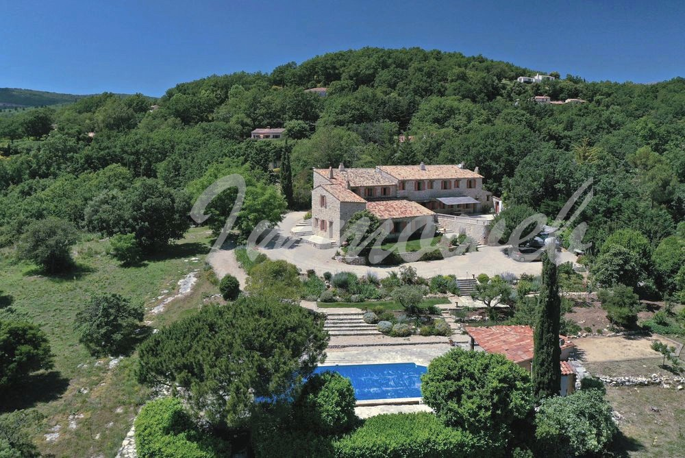 Stone house Fayence-8 rooms  2621