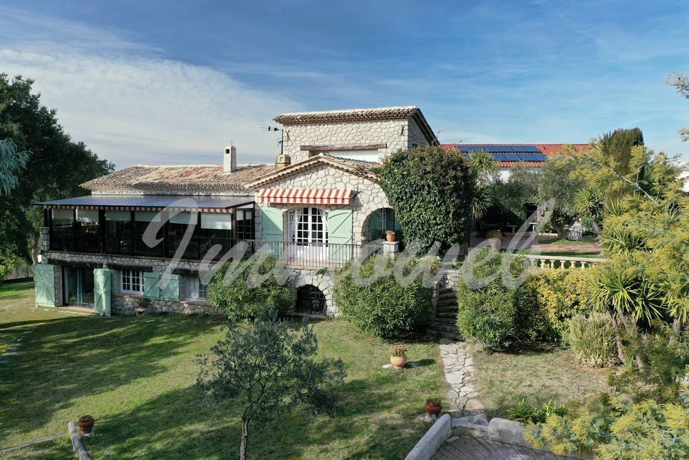 Stone house Tanneron-7 rooms  2662