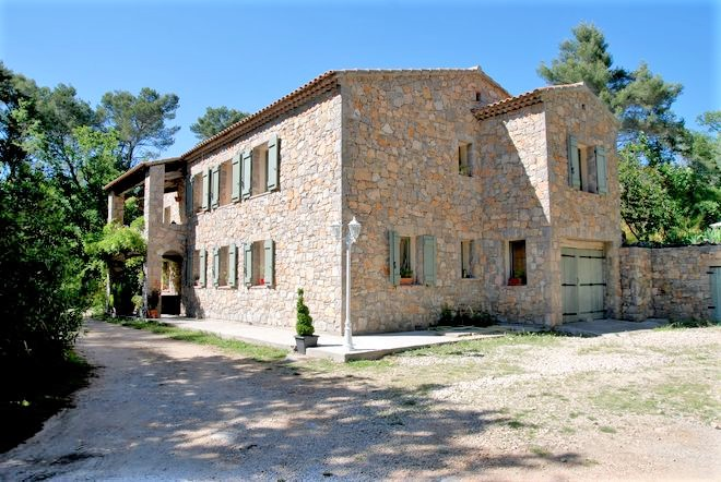 Stone house Fayence-8 rooms  1583