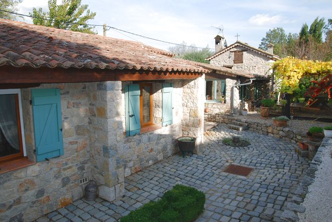Stone house Fayence-6 rooms  1651