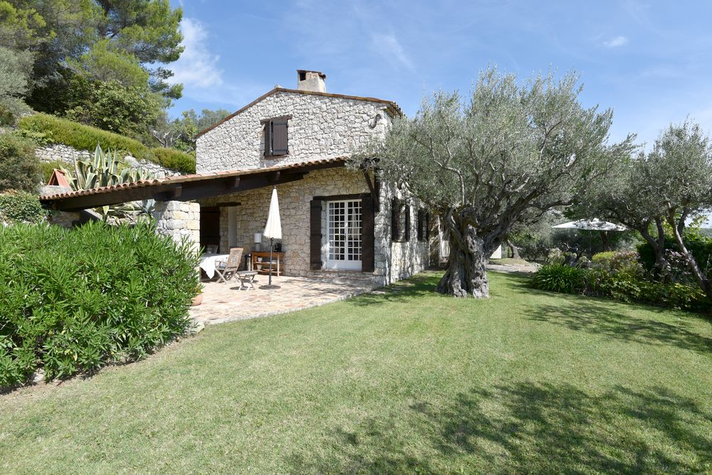 Stone house Canton-de-Fayence-6 rooms  1208