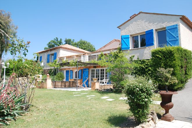 Villa Montauroux-7 rooms  1323